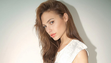 gal-gadot-has-signed-for-three-movies-as-wonder-woman-154513-a-1390468620-470-75