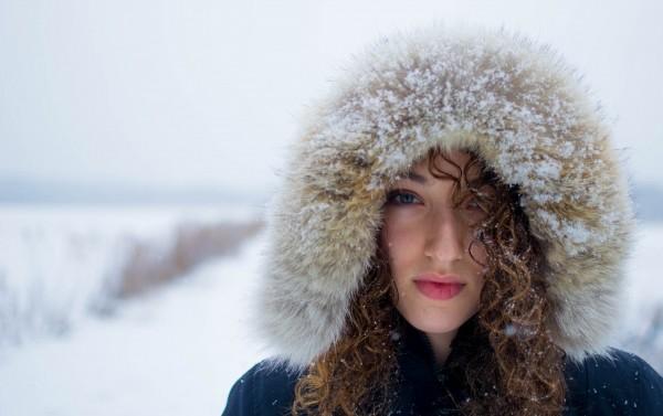 hood-woman-portraits