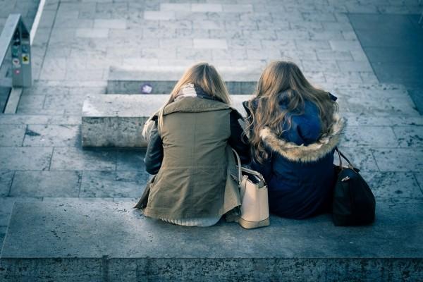 life-beauty-scene-friends-sisters-girlfriends