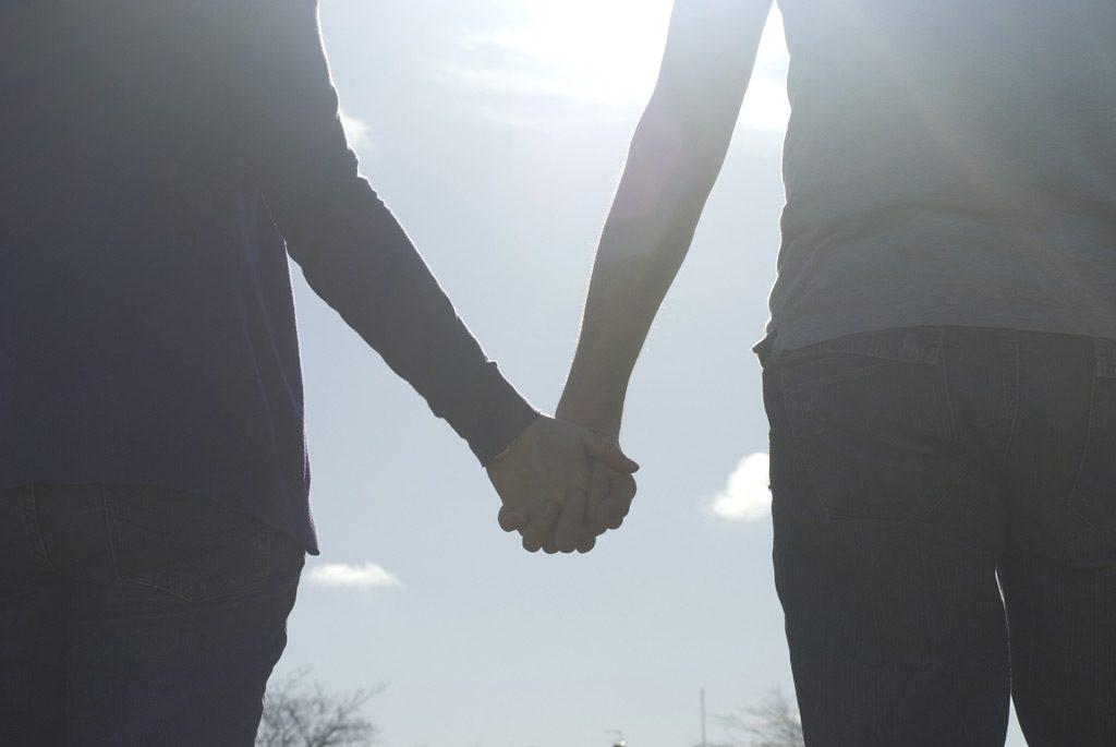 情侶吵架和好
