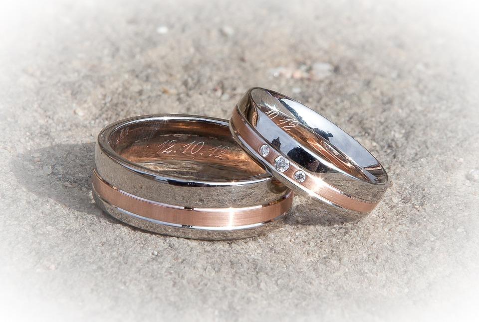 招桃花的戒指